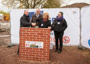 2016-04-25-FDEB-pose premiere pierre construction ICF delivrance