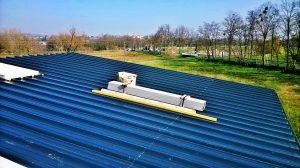 Pose-toit-bac-acier-maison-energie-positive-Natilia(2)