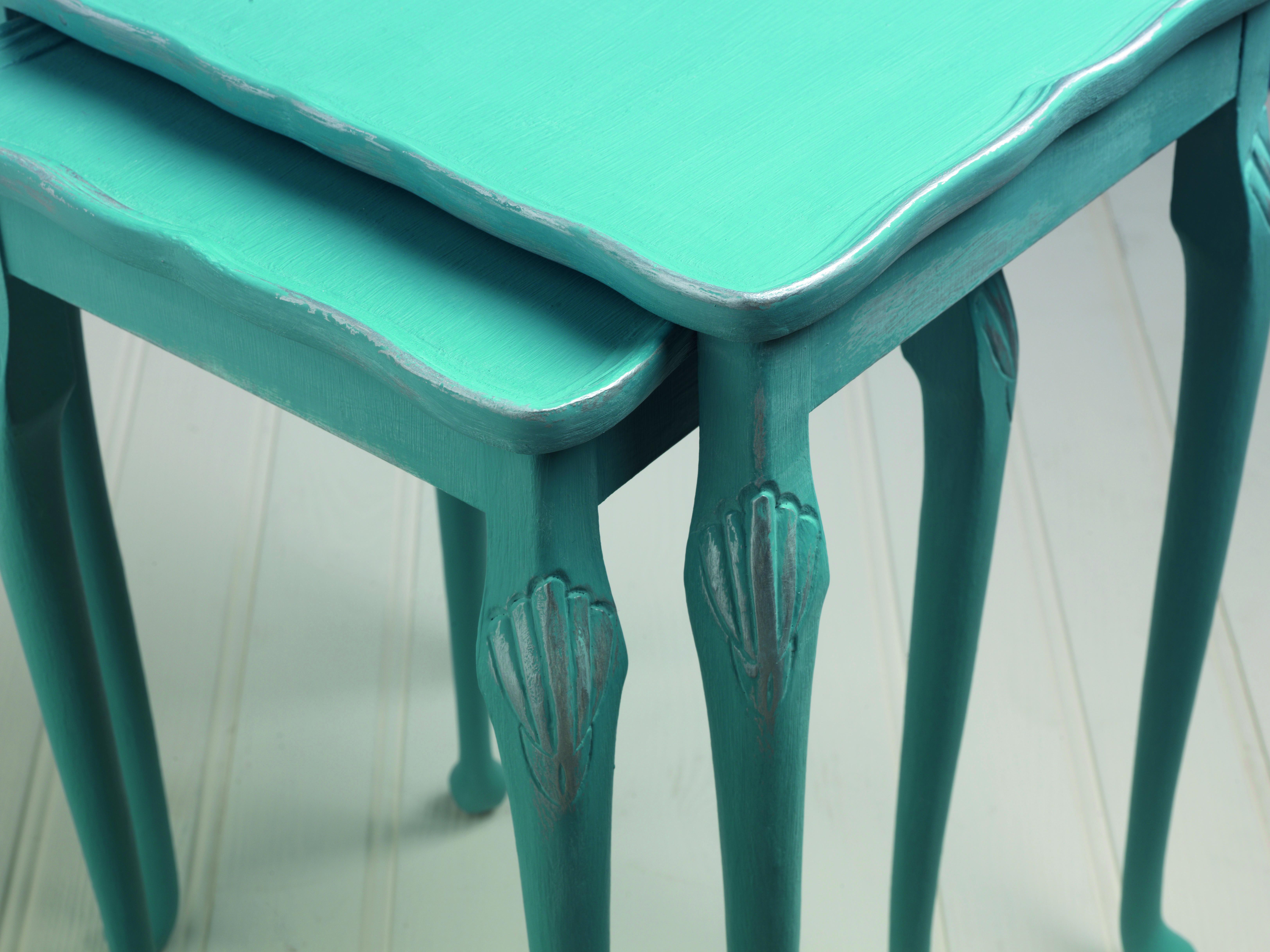 Recyclez customisez patinez votre mobilier avec la for Cire pour meuble peint